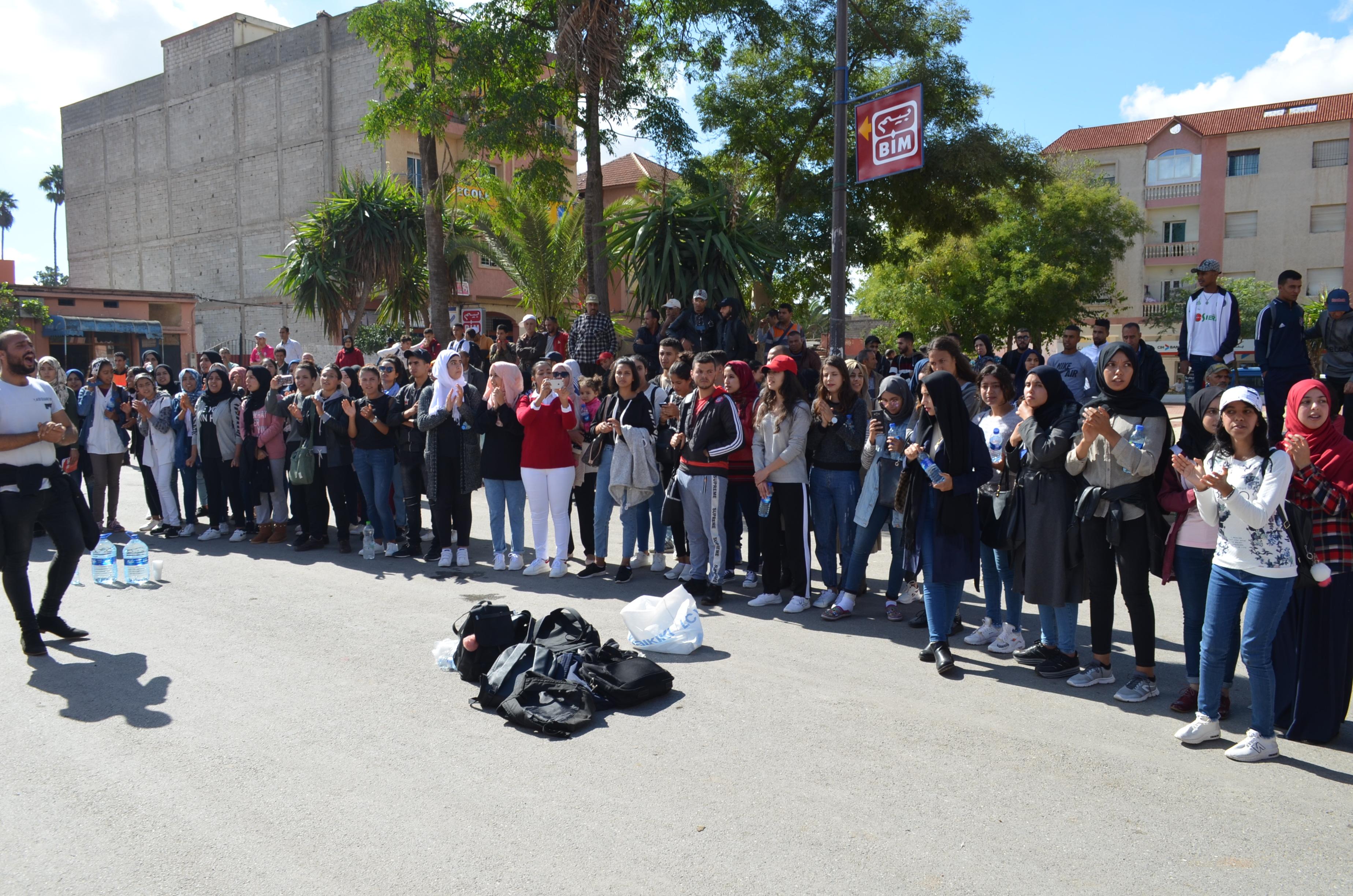 """طلبة بنسليمان يواصلون الإحتجاج ضد شركة النقل العمومي """"لوكس"""""""